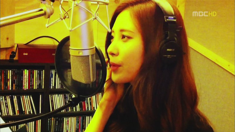 "[CAPS] Seohyun grabando  ""Stop Dumping Music!"" 2cWNLanywoqSGBpqCLs4lX"
