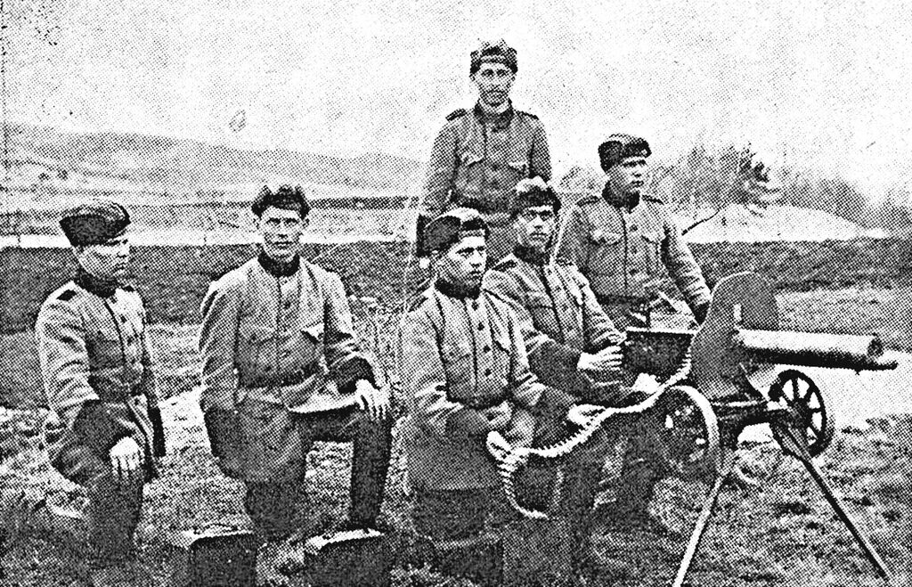Inkeriläisiä konekiväärimiehiä.