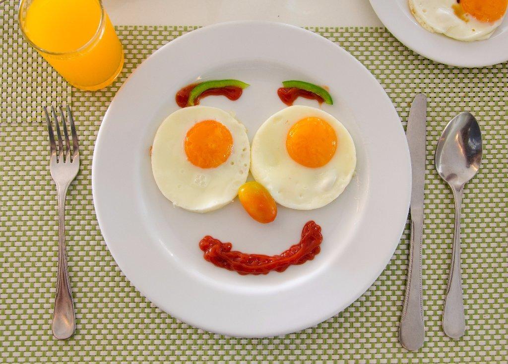 День рождения, завтрак картинки прикольные с надписями