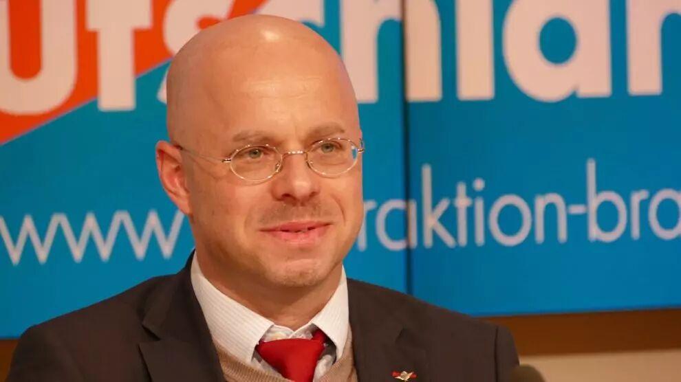 Hybridi-isku Saksan AfD Puoluetta Vastaan
