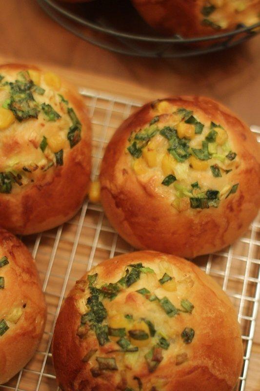 google 蔥麵包。小時候最愛兩種台式麵包:一是菠蘿 ...