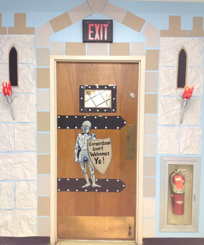 Classroom Decor Castle : Castle classroom door and castles on pinterest