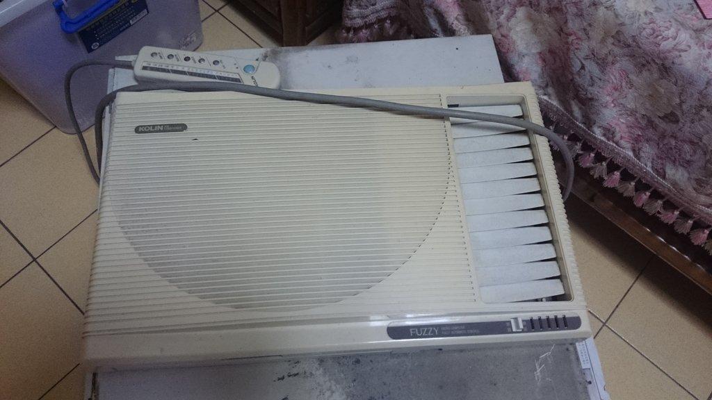 [出售] 歌林2.2kcal右吹窗型冷氣一台